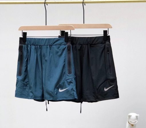 מכנסי ספורט לגברים מבית נייק