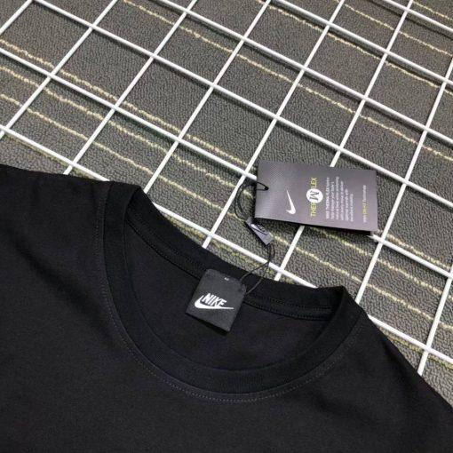 חולצת דובי המפורסמת של נייק